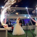İstanbul Boğazında dillere destan bir teknede düğün görseli