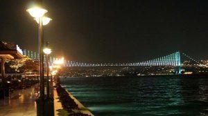 İstanbul kıyı şeridinden boğaz manzarası